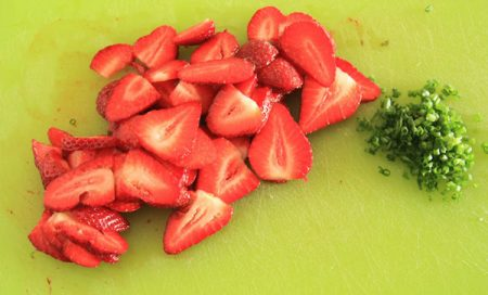 salad-strawberry-and-spinat-3